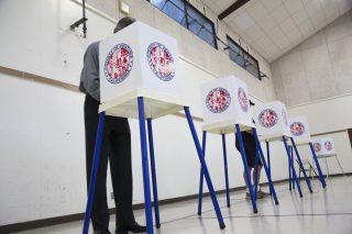 voting viat: Joseph Sohm / Shutterstock.com