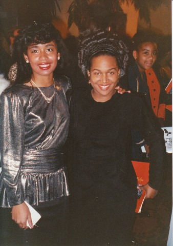 Michel'le (right) at the AMAs in 1990.