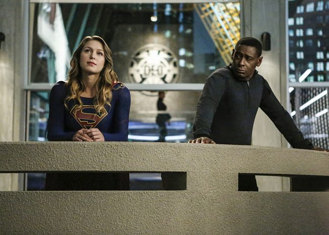 """Supergirl -- """"Medusa"""" -- Image SPG208a_0019 -- Pictured (L-R): Melissa Benoist as Kara/Supergirl and David Harewood as Hank Henshaw -- Photo: Bettina Strauss/The CW -- © 2016 The CW Network, LLC. All Rights Reserved"""