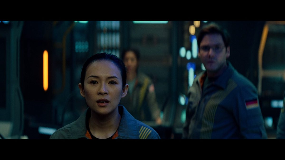 Zhang Ziyi and Daniel Bruhl in Netflix's 'The Cloverfield Paradox'
