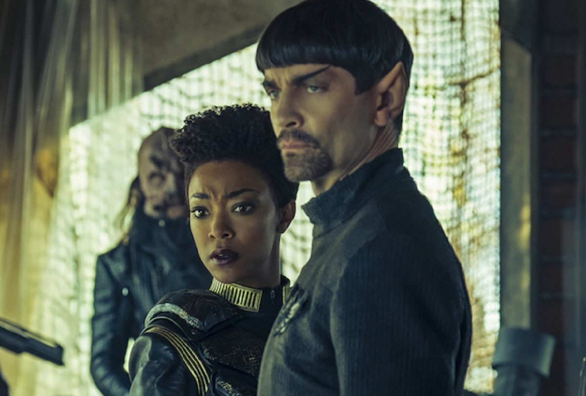 """""""The Wolf Inside""""-- Episode 111 -- Pictured (l-r): Sonequa Martin-Green as Michael Burnham; James Frain as Sarek of the CBS All Access series STAR TREK: DISCOVERY. © 2017 CBS Interactive. All Rights Reserved."""