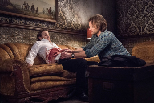 """richard speight as gabriel and jared padalecki as sam in The CW's Supernatural: """"Unfinished Business"""""""