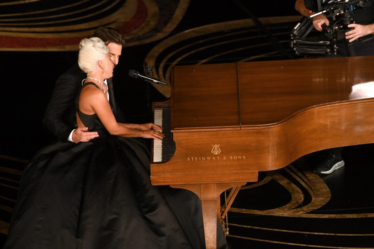 Bradley Cooper and Lady Gaga perform Shallow at the Oscars and get super close to each other