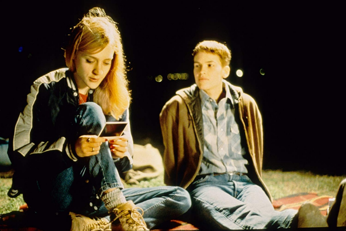 Chloë Sevigny and Hilary Swank in Boys Don't Cry (1999)