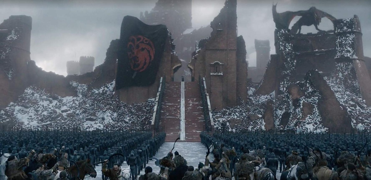 Daenerys Targaryen in front of her army mimicking Nazi images