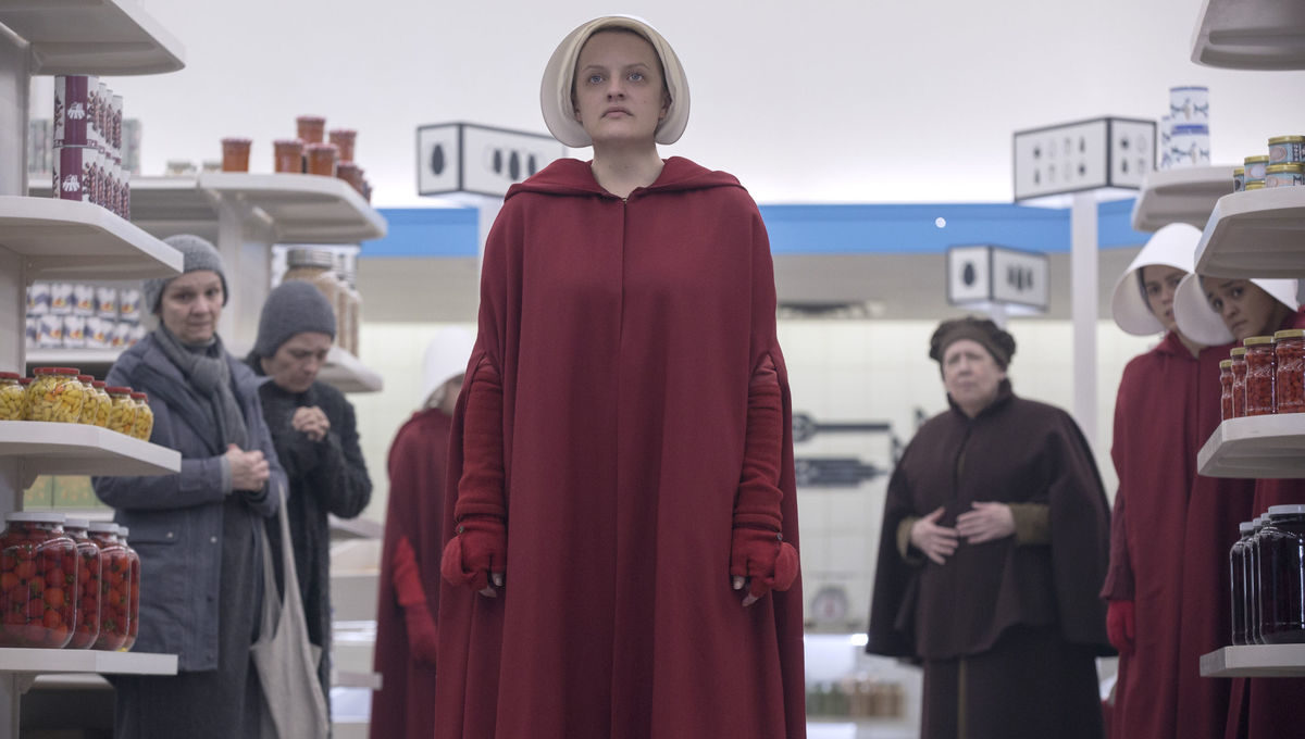 June and the rest of the Handmaids shun Ofmatthew, and both are pushed to their limit at the hands of Aunt Lydia. Aunt Lydia reflects on her life and relationships before the rise of Gilead.