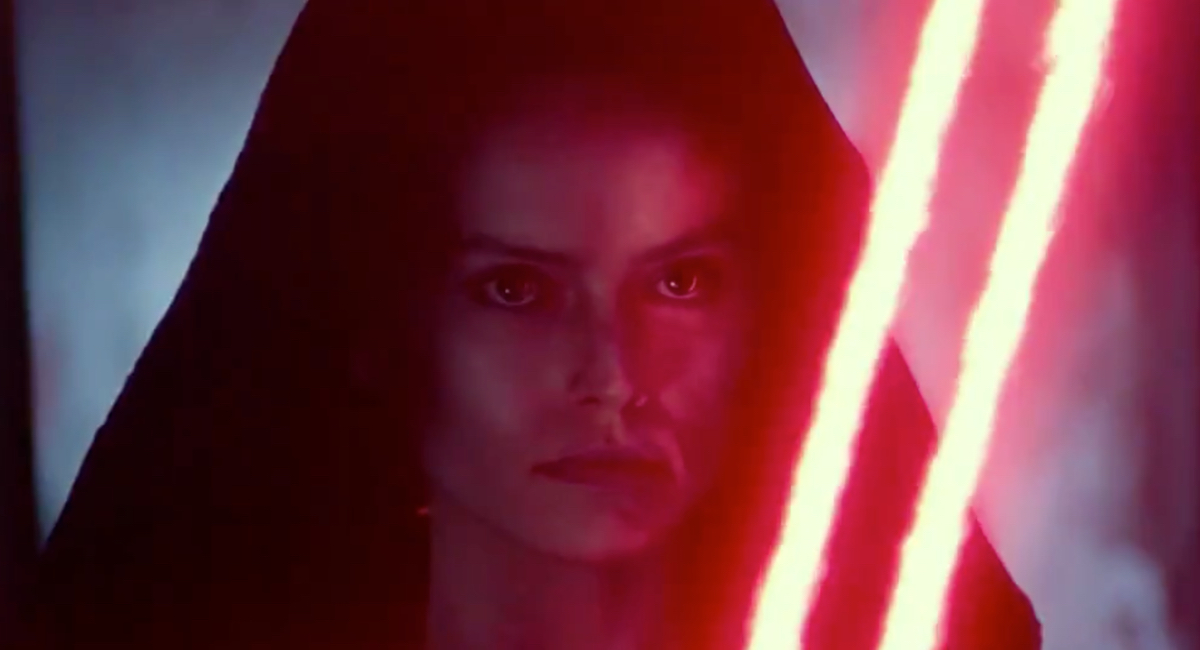 Rey (Daisy Ridley) appears to have gone evil in a vision from the sizzle reel for Star Wars: The Rise of Skywalker.