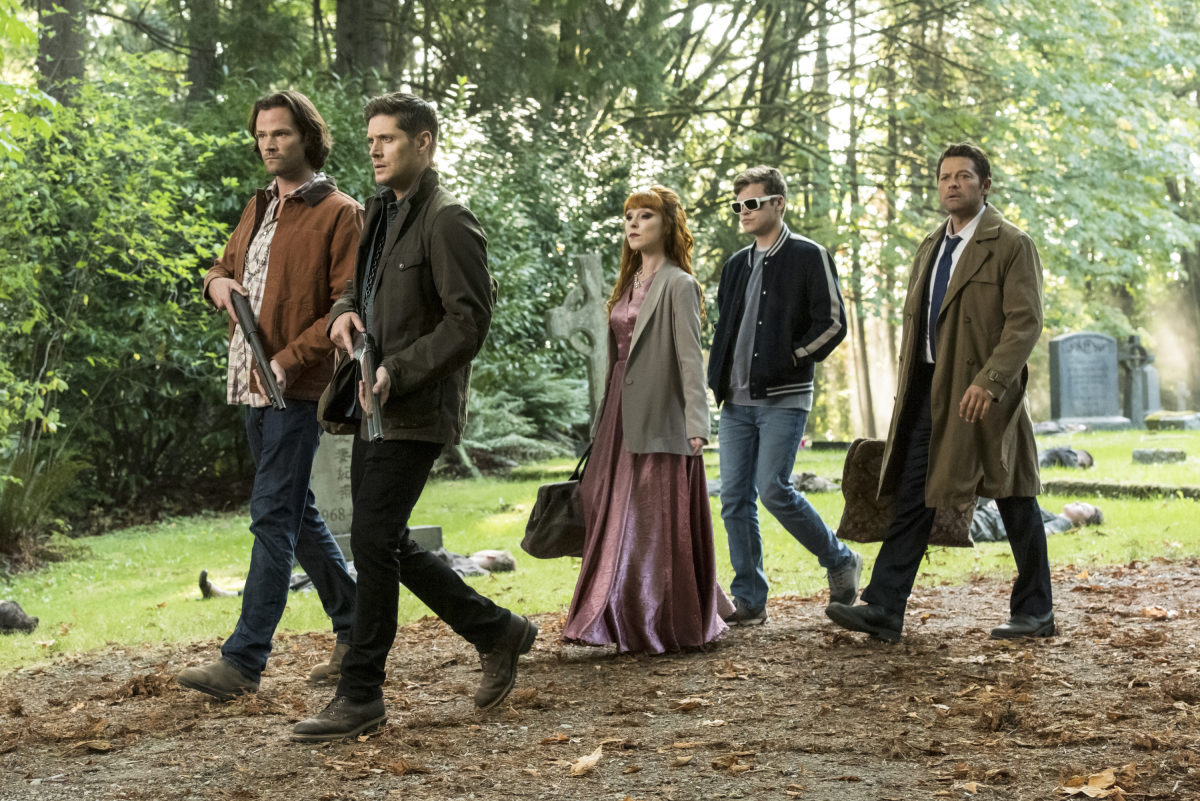 The squad of sam, dean, rowena, cas, and belphagor head into battle