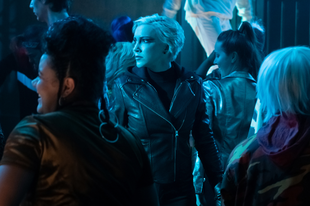 """Arrow -- """"Green Arrow & The Canaries"""" -- Image Number: AR809a_0026r.jpg -- Pictured: Katie Cassidy as Laurel Lance/Black Siren -- Photo: Katie Yu/The CW -- © 2020 The CW Network, LLC. All Rights Reserved."""