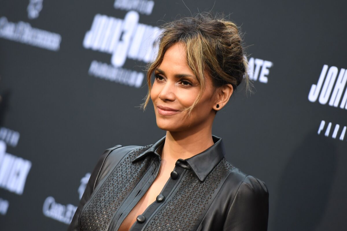 """US actress Halle Berry arrives for the Los Angeles special screening of Lionsgate's """"John Wick: Chapter 3 - Parabellum"""" at the TCL Chinese theatre on May 15, 2019 in Hollywood. (Photo by Robyn Beck / AFP) (Photo credit should read ROBYN BECK/AFP via Getty Images)"""