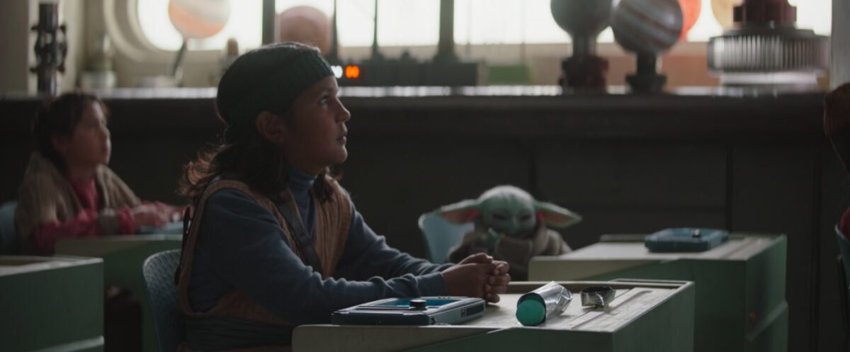 baby yoda uses the force