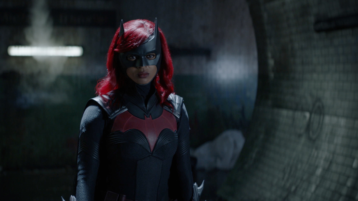 "Batwoman -- ""What Happened to Kate Kane?"" -- Image Number: BWN201fg_0021r -- Pictured: Javicia Leslie as Batwoman -- Photo: The CW -- © 2021 The CW Network, LLC. All Rights Reserved."