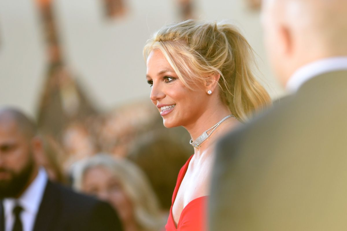 """US singer Britney Spears arrives for the premiere of Sony Pictures' """"Once Upon a Time... in Hollywood"""" at the TCL Chinese Theatre in Hollywood, California"""