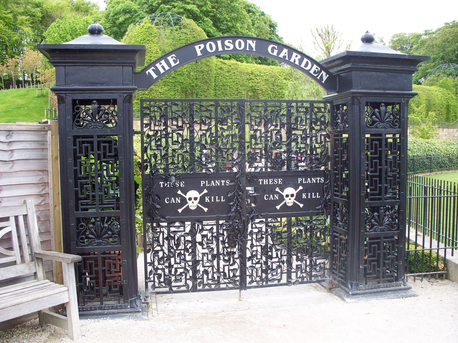 """What Will You Find In a """"Poison Garden?"""""""