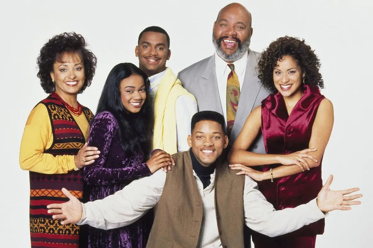 The second aunt viv and the cast of the original Fresh Prince of Bel-Air.